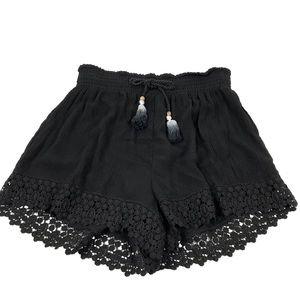 NWT Crochet Hem Festival Tassel Soft Short Sz. M
